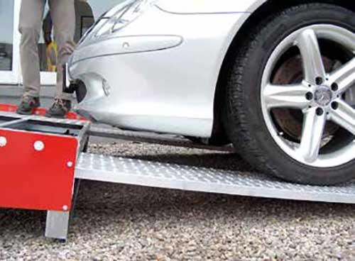 Metalmec M040 oprijplaat met lage sportauto