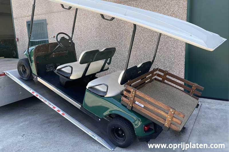 Metalmec MPCL oprijplaten met golfkar er op